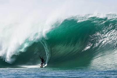 Mavericks-big-wave-surfing